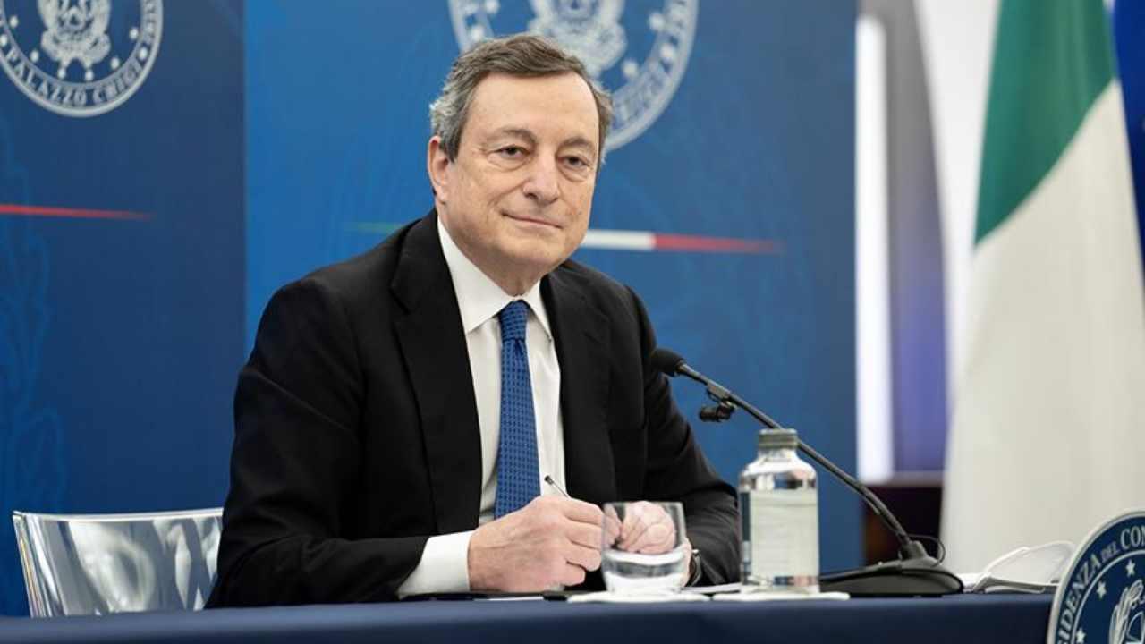 Mario Draghi interviene sui vaccini