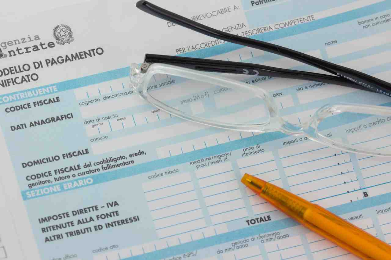 Proroga per il saldo della dichiarazione dei redditi (foto Adobestock)