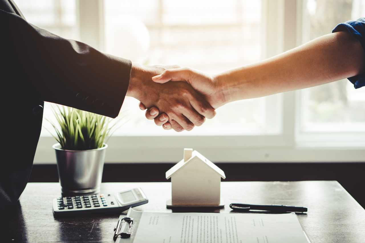 Come comprare casa senza soldi (foto Adobestock)