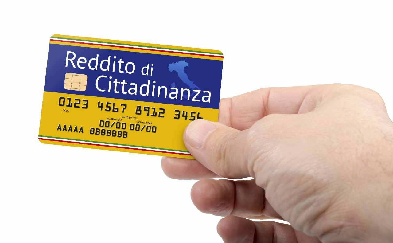 Reddito di cittadinanza, cambia tutto (foto Adobestock)