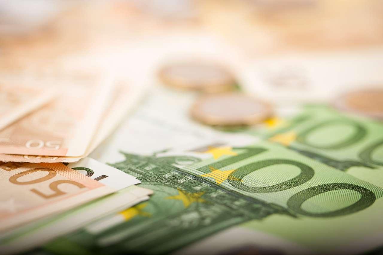 bonifico bancario: attenzione massima alla causale (foto Adobestock)