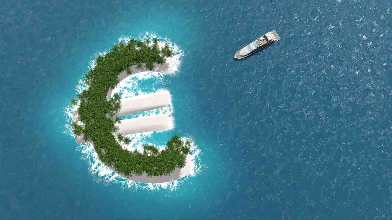 Enorme operazione della GdF contro l'evasione fiscale all'estero (foto Adobestock)