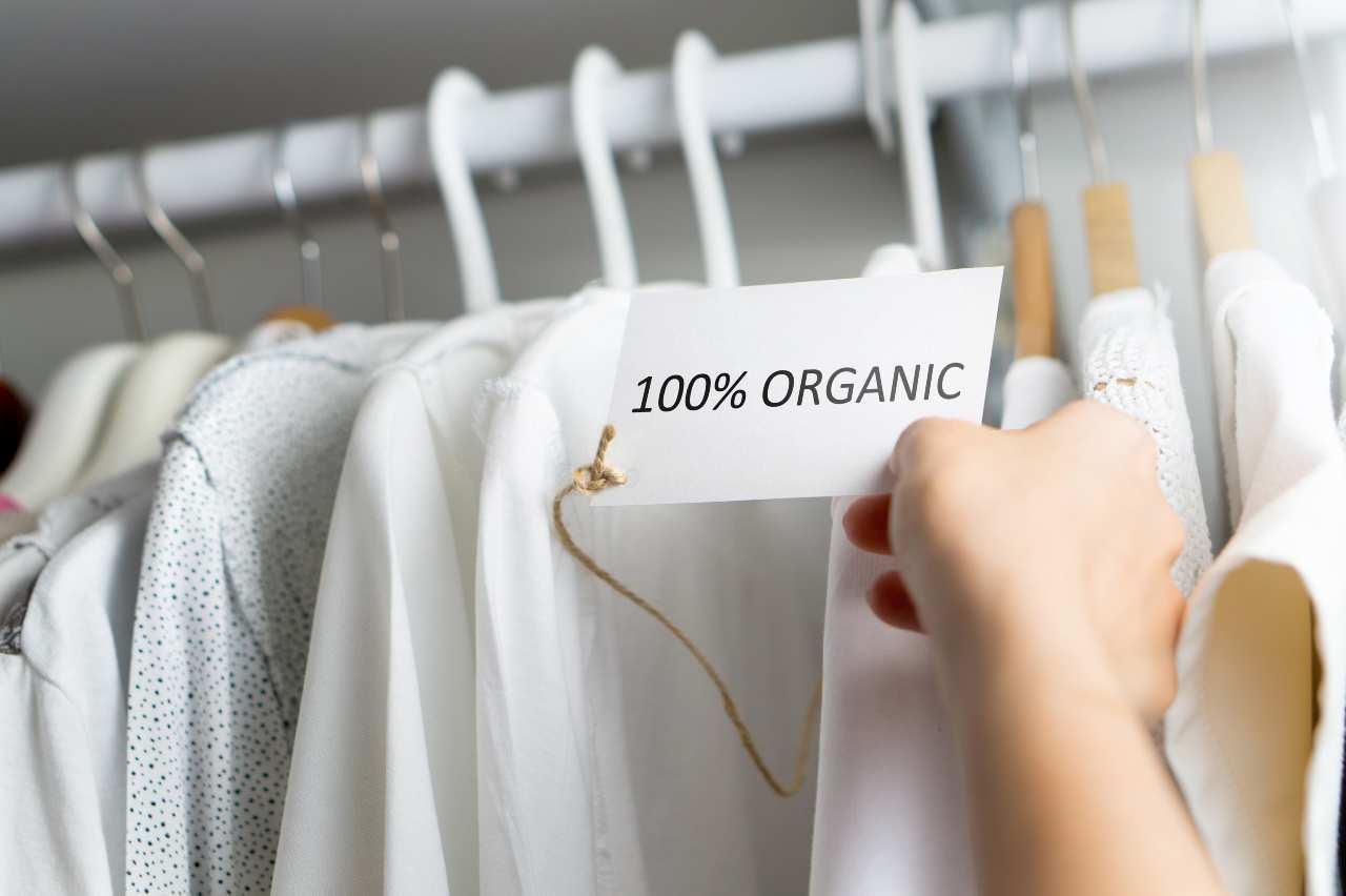 Moda sostenibile, la rivoluzione nel fashion (Adobestok)