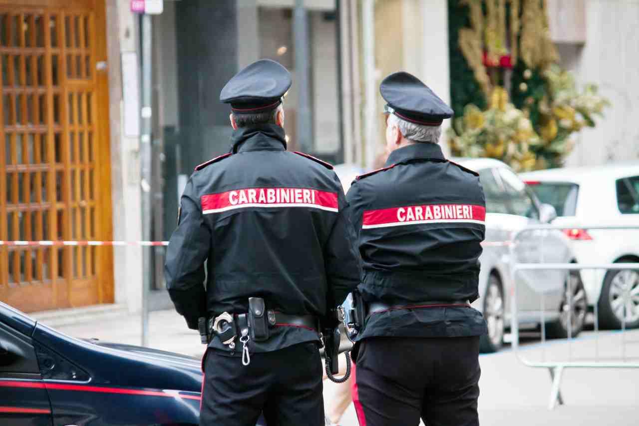 Carabinieri (foto Adobestock)