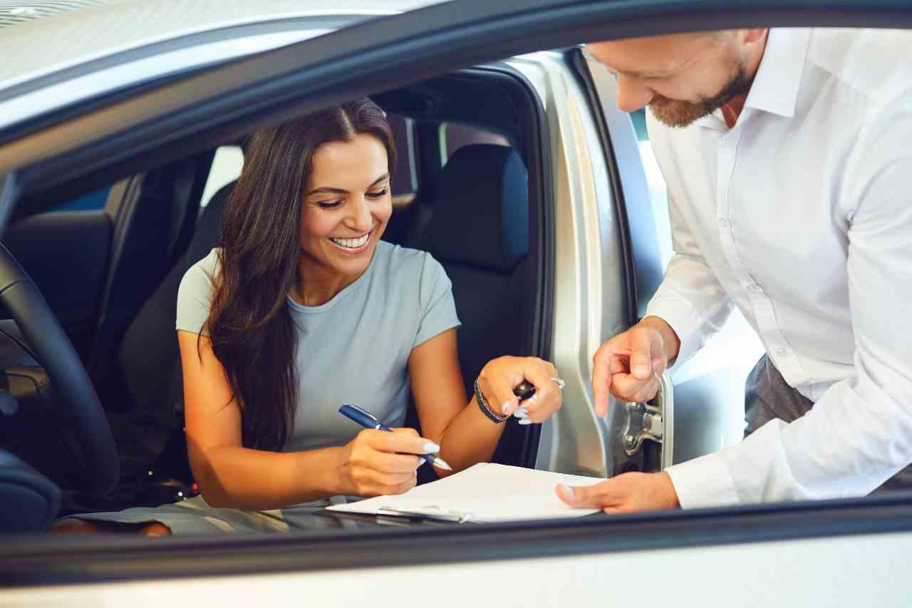 Noleggio auto (foto Adobestock)